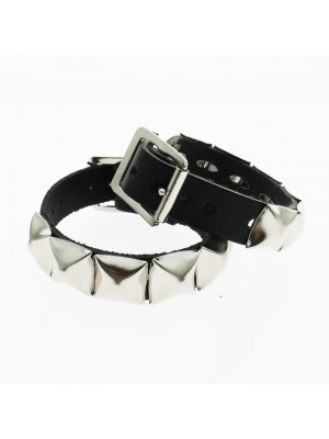 1 Row Pyramid Studded Leather Wristband