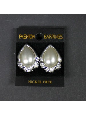 Bridal Pearl Clip on Ear Stud Tear Shape